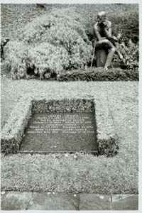 Photograph of James Joyce's grave in Fluntern cemetery, Zurich, Switzerland  (c) 2003 Megan O'Beirne